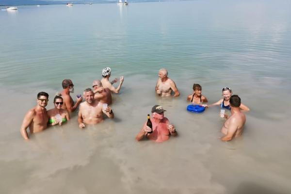 schwimmen2AAA972D0-DA46-5F5D-D0FC-DD4F9BA74871.jpeg